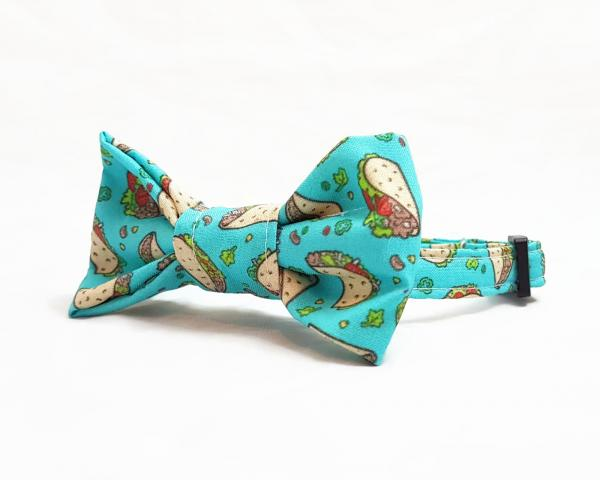 Cat Collar With Bow Tie - Taco