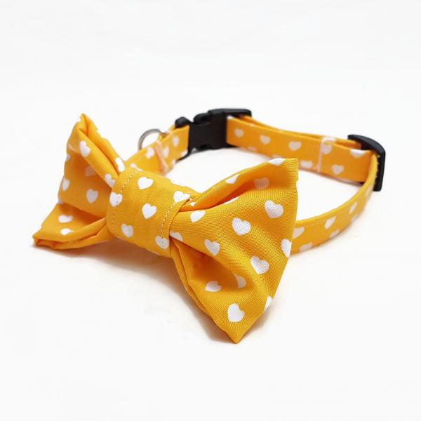 Dog Collar with Bow Tie - Hearts - yellow